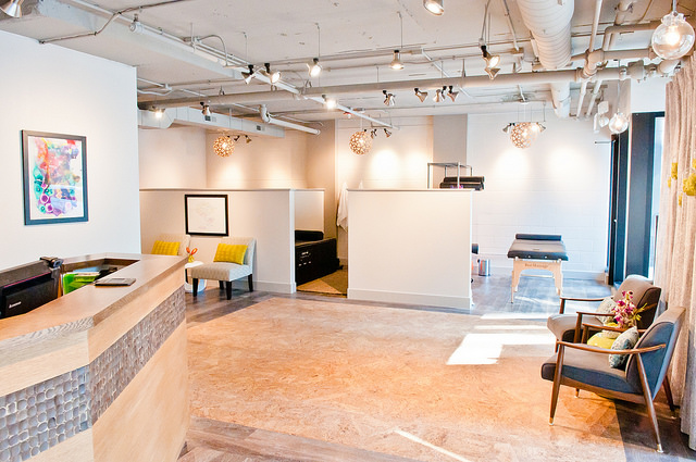 The lobby of our Streeterville chiropractic, massage and acupuncture center