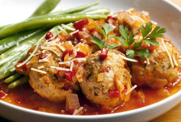 HEALTHY EATING   Meatballs and Tomato Sauce Recipe