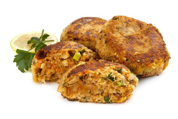 HEALTHY EATING | Quinoa Salmon Burgers Recipe